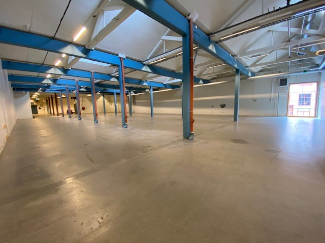Lager x 1380m²